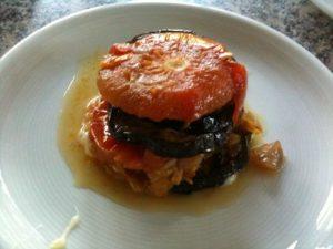 Auberginen-Tomaten-Türmchen