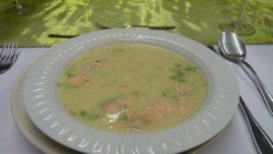 Fenchelsuppe mit Lachsstücken (Potage au fenouil et au saumon)