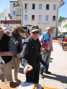Feier beim Partnerschaftsbesuch 2016 auf dem Sommerfelder Platz in Vlotho (Bild: Ulrich Klose)