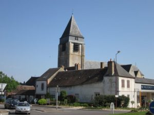 Blick auf die Kirche St. Martin von Aubigny-sur-Nère (Bild: Ulrich Klose)